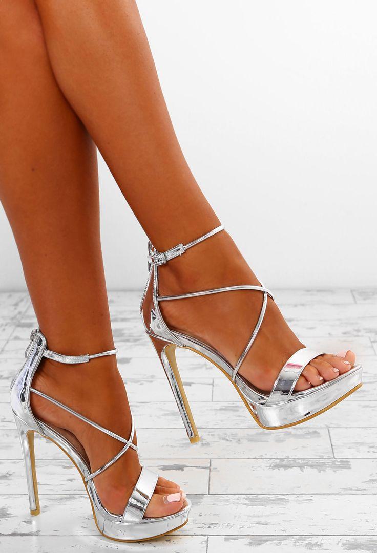 Achetez des chaussures pour femmes chez Pink Boutique – des talons aiguilles aux talons …