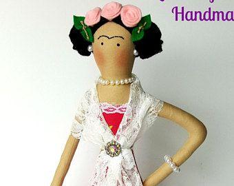 Muñeca Frida Kahlo escultura blanda textil muñeca muñeca mexicana hecha a mano tejido humano figura de la muñeca muñeca de arte Diego Rivera pintor mexicano pintor