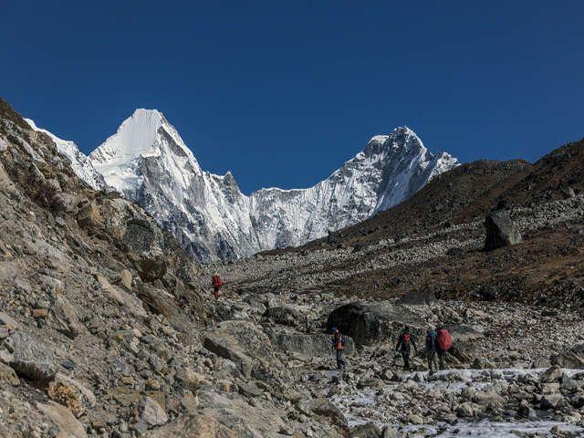 Path Between The Lobuche And Gorak Shep - Everest Region