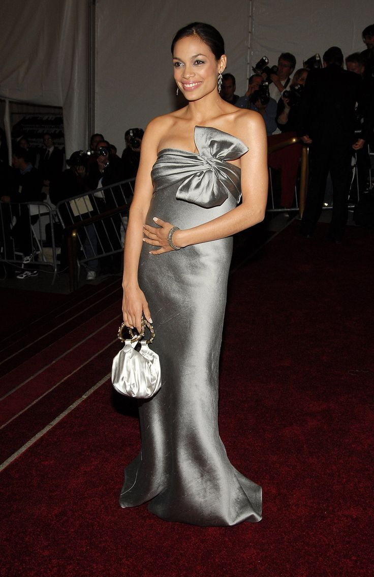 Rosario Dawson looked sexy in a silver J.Mendel gown at the 2006 gala.