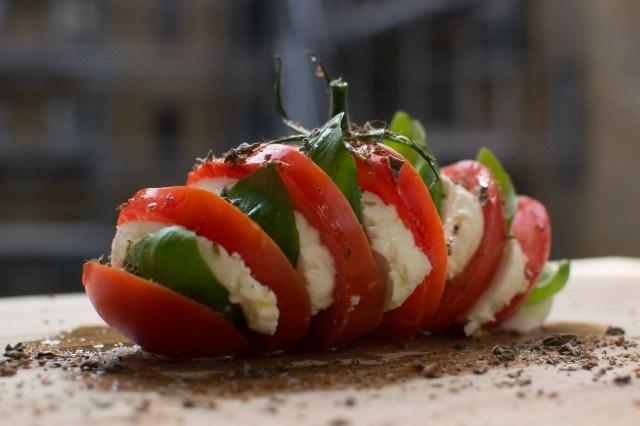 Italiensk tomatsalat – caprese | Min mands italienske køkken