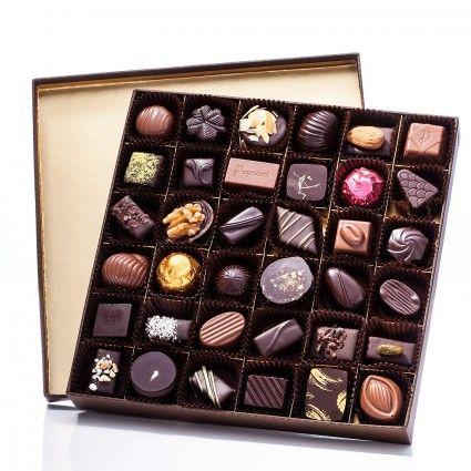 Chocolats de luxe - Boîte carré grand modèle 450g de chocolats - chocolaterieonline.com