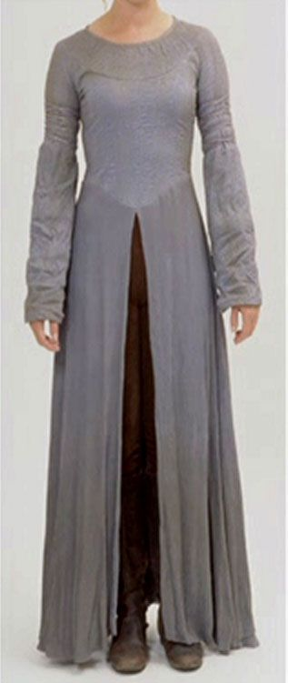 lord of the rings, two towers - eowyn. WAAAAAH?? Is this the underdress for the refugee outfit? IS IT? WHY HAVE I NEVER SEEN THIS PIC?