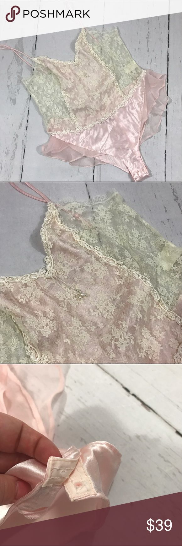 "💚💚 VINTAGE TEDDY LINGERIE BODYSUIT B40 Condition: Euc Approximate measurements (laying flat): 17"" bust 21"" Length pit to bottom Item location: bin 40  ❤no trades/no modeling❤ Delicates Intimates & Sleepwear"