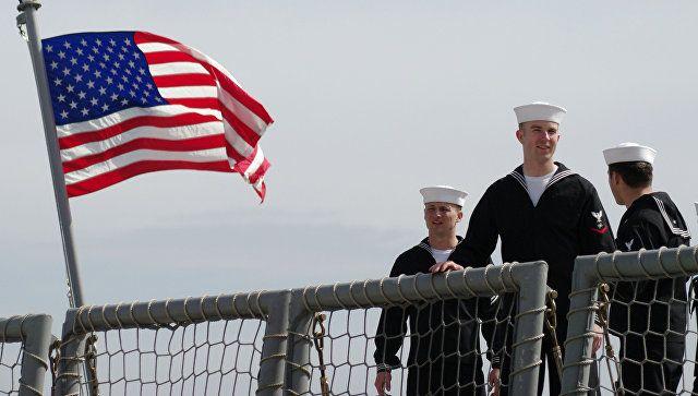 Адмирал США иеще семь офицеров обвиняются вСША вкоррупции, которая часто принимала форму секс-вечеринок спроститутками, сообщила газета Washington Post соссылкой надокументы федерального суда вСан-Диего, штат Калифорния. По делу проходят контр-адмирал Брюс Лавлесс, который служит вразведке ВМС США вПентагоне, атакже несколько капитанов ВМС иполковник морской пехоты вотставке. Обвинение заявило, что офицеры получали взятки отбизнесмена Леонарда Гленна Фрэнсиса …