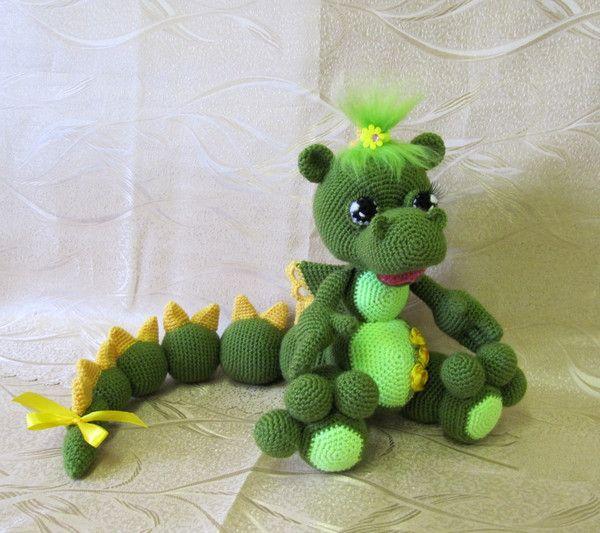 Grüner Baby-Drache Freie Häkelarbeit-Muster