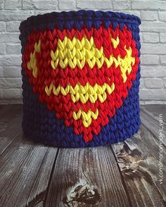Большая корзина для хранения всякого-разного для маленьких #superman или для больших фанатов #marvel  Размер корзины 22*25см #интерьернаякорзина #трикотажнаяпряжа #тпряжа #trapillo #tshirtyarn #basket #cesta #crocheting #knitting #вязаниекрючком #вязаниеспицами #вязаниеназаказ #корзинадляигрушек #супермен #комиксы #марвел #детскаякомната #интертер #дизайнинтерьера #декор #хранениевещей #interiordesign #interior #decor #kidsroom #littlesuperman