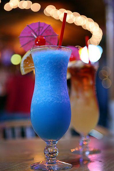 best 25 blue hawaiian drink ideas on pinterest blue. Black Bedroom Furniture Sets. Home Design Ideas