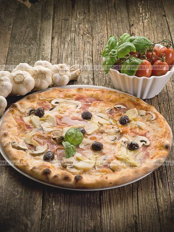 Pizza na cienkim i chrupiącym spodzie