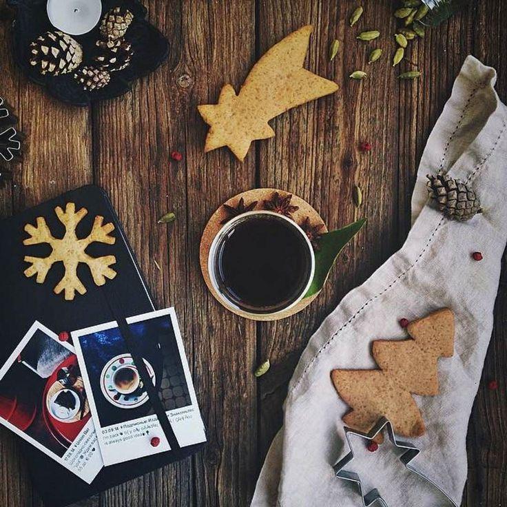 А вы знали что у Деда Мороза есть официальный день рождения? Да-да сегодня 18 ноября сколько-то там тысяч лет назад родился наш любимый дедушка. Сегодня открывается специальный ящик куда можно отправить поздравления Деду Морозу - не упускайте шанс добиться его расположения перед новым годом!  Кстати набор оригинальных фотографий Boft - это отличный подарок на любой праздник - День рождения или Новый год. Их можно добавить к другому подарку положить в конвертик с а можно просто подарить сами…