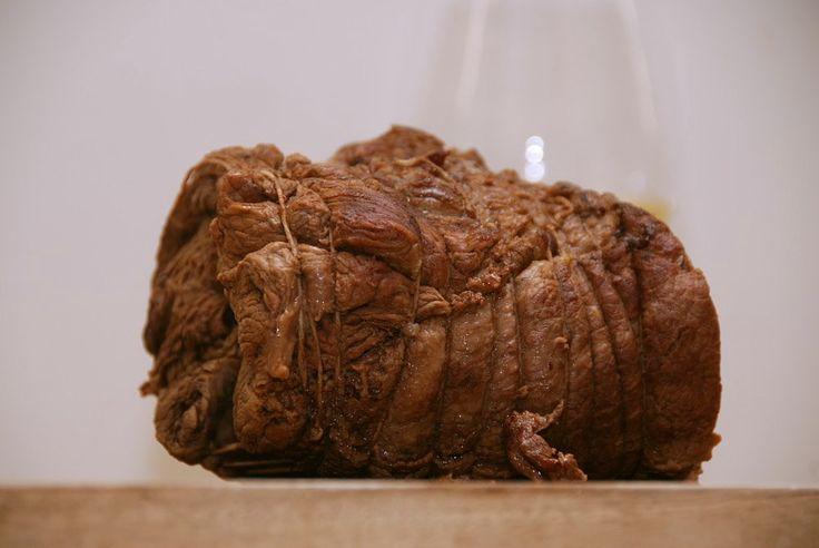 Pulled beef skal steges 7 timer i ovnen ved 125 grader - opskrift fra Guffeliguf.dk