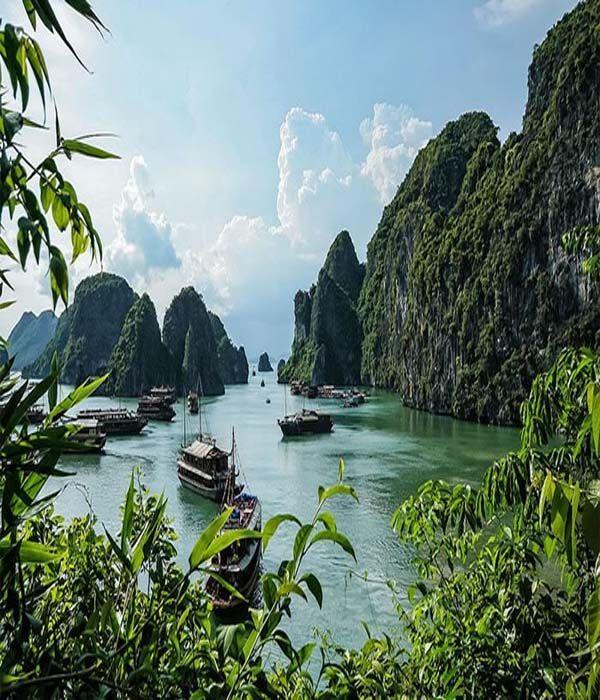 Disfruta de los hermosos paisajes de Halong Bay, Vietnam. Y porque no, viajar a ellos http://www.aspasiatravel.es/destinos/indochina/