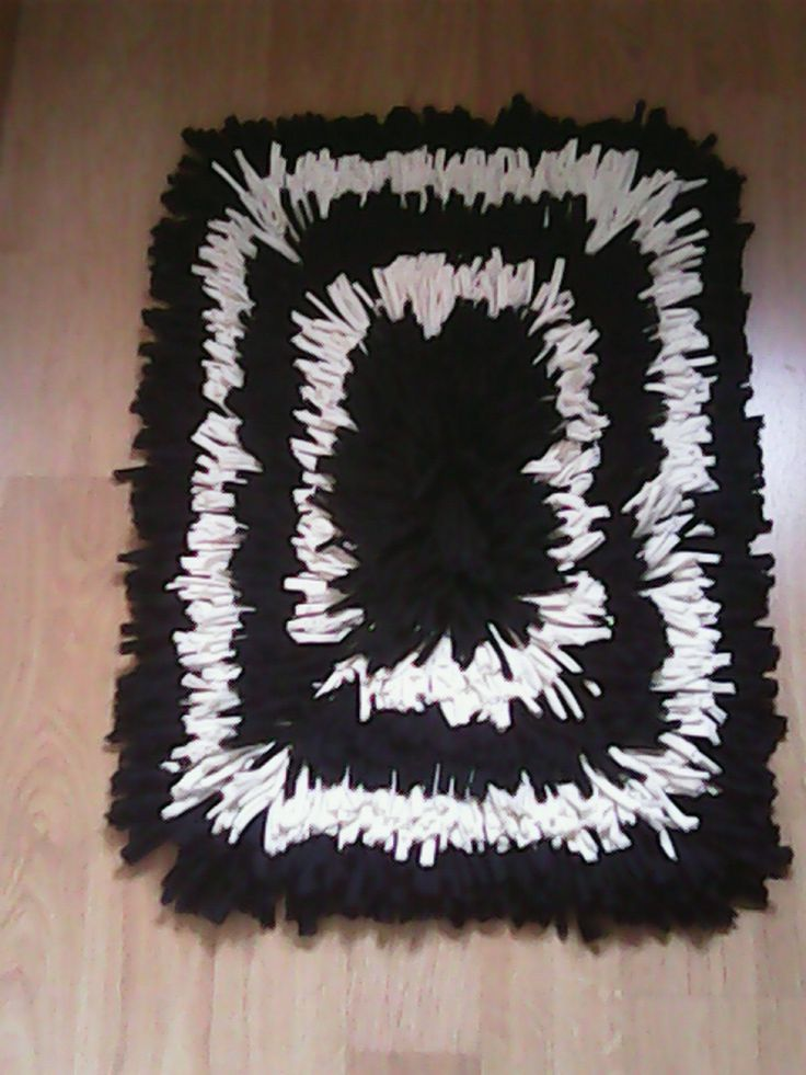25 best ideas about alfombra de trapillo rectangular on pinterest cestas de trapillo - Como hacer alfombras de nudos ...