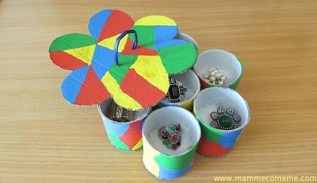 #festadellamamma #bambini #mamme #creative #creativity #creatividad #diy #crafts  http://www.mammecomeme.com/2016/04/festa-della-mamma-porta-anelli.html Mamme come me: Festa della mamma: Porta anelli Arlecchino