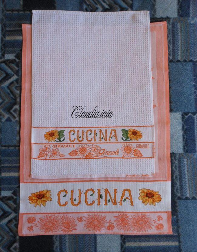 Set cucina con girasoli per Vittoria_Foto d'insieme - Dall'album di Claudia.iaia