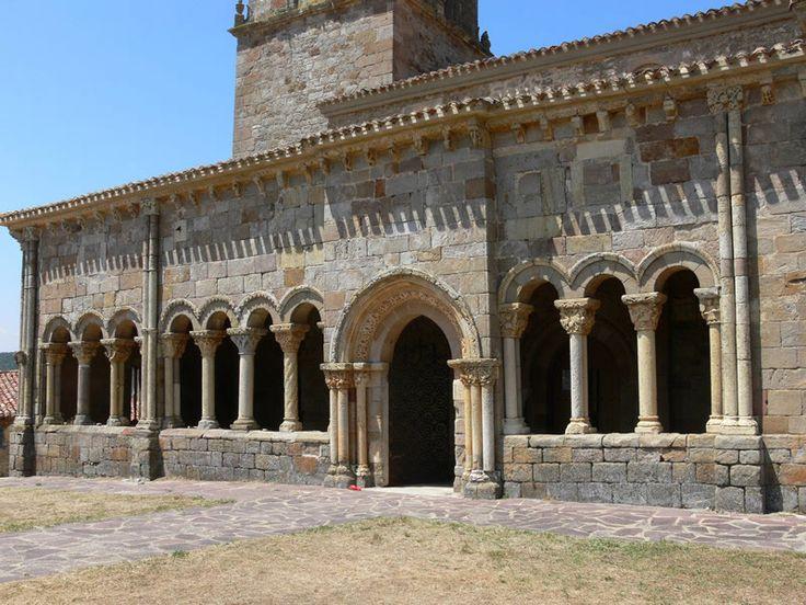Iglesia de San Julián y Santa Basilisa de Rebolledo de la Torre, Burgos