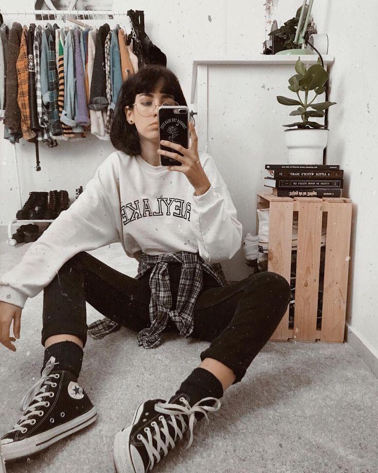 """LYDIA 👽 auf Instagram: """"Es ist so kalt, dass ich nur einen übergroßen Pullover tragen möchte ... - #auf #dass #einen #Ich #Instagram"""