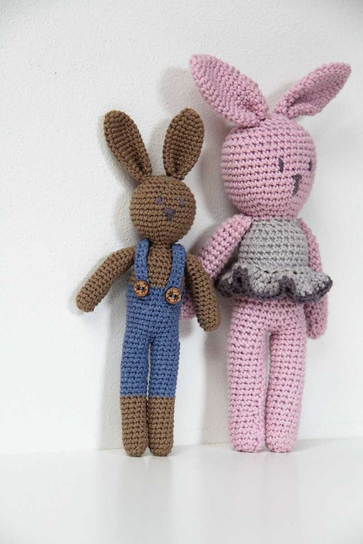 Návod na háčkovaného králíčka v kalhotách