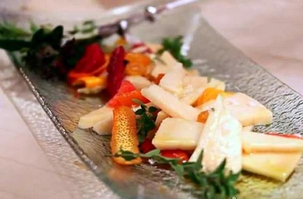 Marinated Goat Cheese with Citrus, #Olive Oil and Herbs An easy and elegant appetizer to serve at dinner parties, this flavorful cheese cours...