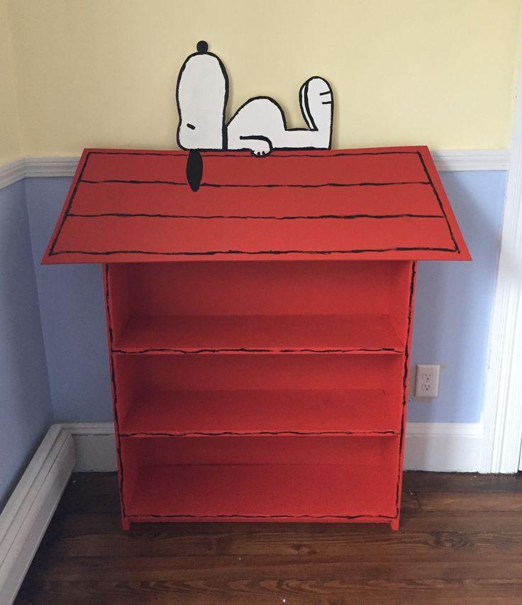 DIY Snoopy Doghouse Bookcase for Snoopy Nursery
