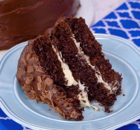 Hersheys Chocolate Cake with Cream Cheese Filling & Chocolate Cream Cheese Buttercream – My Incredible Recipes