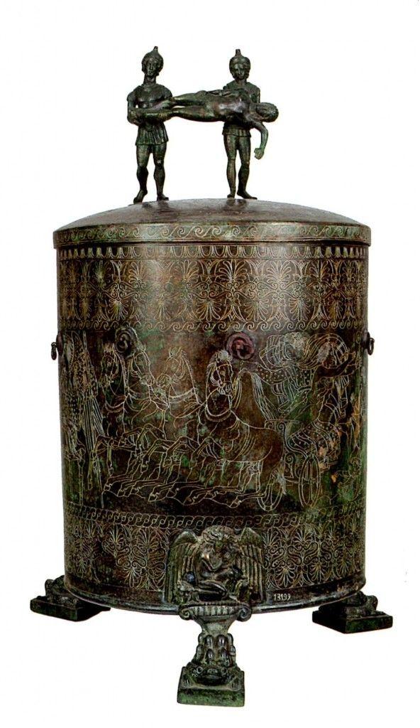 Ciste de Préneste (Palestrina - au jugement de Pâris) - fin IVè siècle av.J.-C. Etrusques, un hymne à la vie. Vu le 20 janvier 2014.