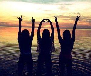 ???LaurenG16??? (Best Friend Pictures) – Marie M.