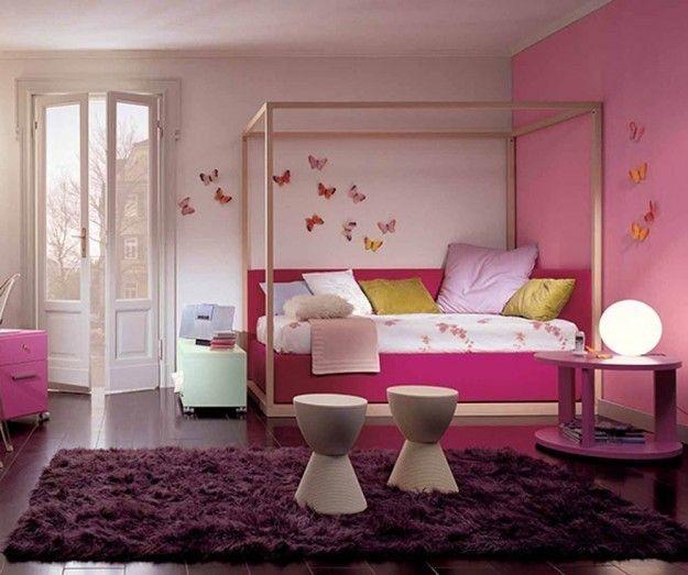 Fucsia e rosa in camera da letto - Tinte del rosa e del fucsia per arredare una camera da letto romantica.