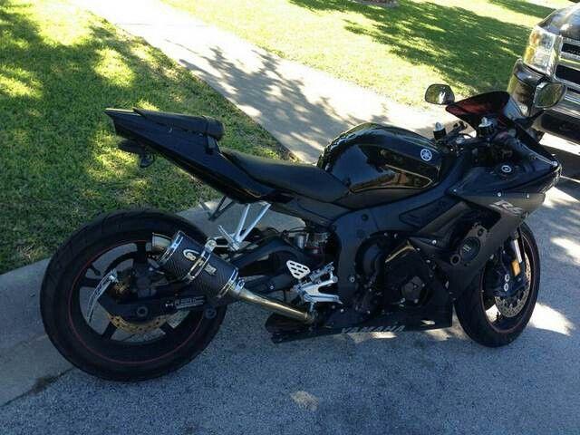 2005 Yamaha R6 Raven, soon to be mine.