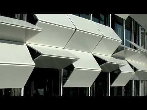 "Dynamic facade ""Kiefer technic showroom"""