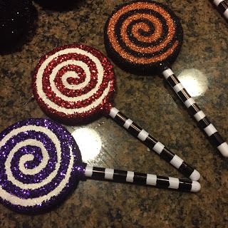 Blog's of Art: DIY Nightmare Before Christmas Glitter Lollipop Ornaments