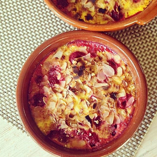 Recept - Warm fruit in een crème van kokosmelk - http://www.mytaste.be/r/recept---warm-fruit-in-een-cr%C3%A8me-van-kokosmelk-17023992.html