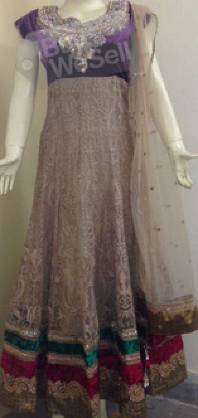 http://www.ibuywesell.com/en_IN/item/Long+anarkali+gown+-Andhra+Pradesh-+Karimnagar/64627/