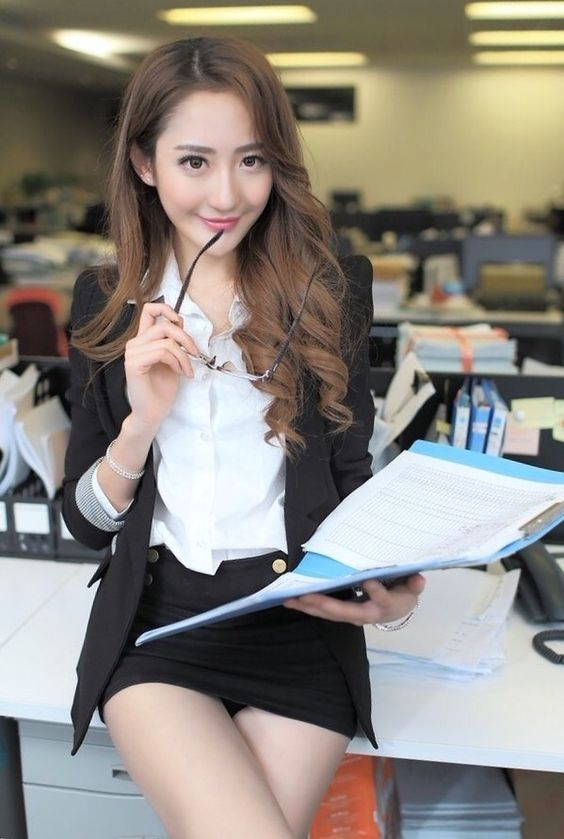 japanese ladies do it in the office