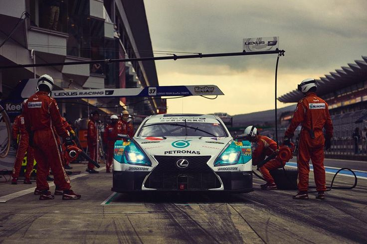 Lexus #SuperGT Team, @TomsRacing in action with driver @Rossiterracing. Ask him about his experience: #JamesOnLexus