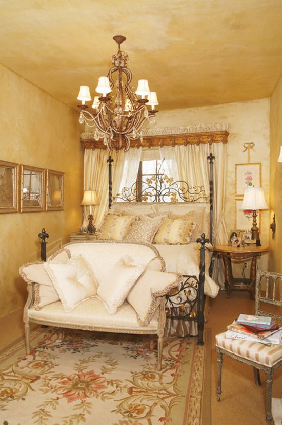 170 best romantic home images on pinterest deko french country and antique console table - Romantic country bedroom decorating ideas ...