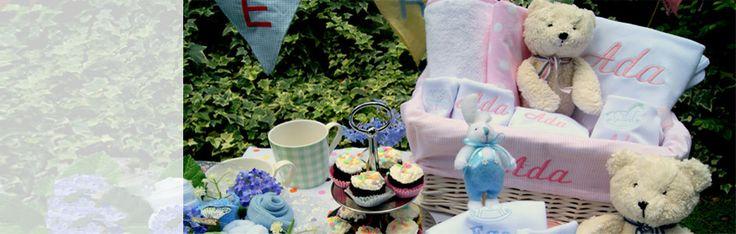 En tatlı ve en şirin bebek hediyeleri ve özel hediye setleri Giftomino 'da !