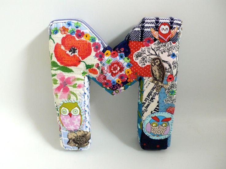 Lettres déco, faite en mousse, et recouverte de tissus anciens, et, vintages, M comme Maman !  , Un Radis m'a dit.  Boutique : https://www.alittlemarket.com/boutique/un_radis_m_a_dit-815807.html