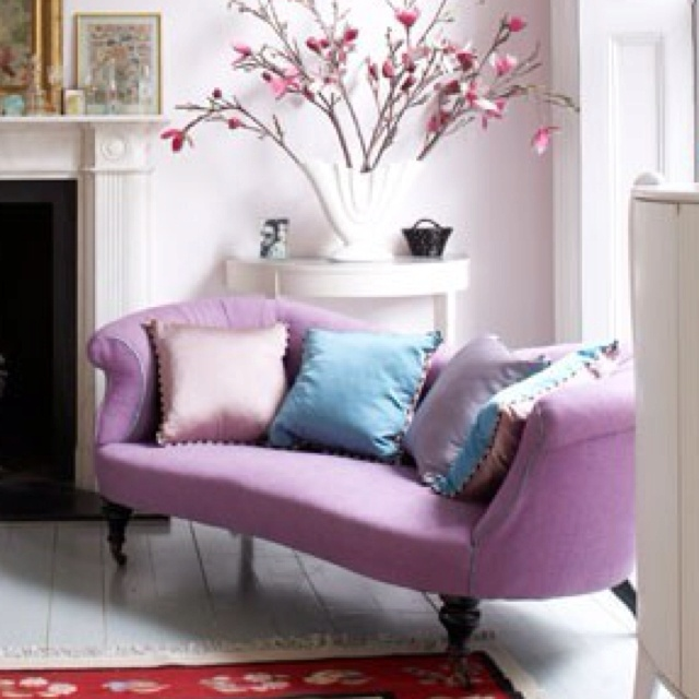 LOVE this purple couch!Bedrooms Theme, House Inspiration, Dining Room, House Ideas, Chairs, Living Room, Living Families Room, Dresses Room, Pink