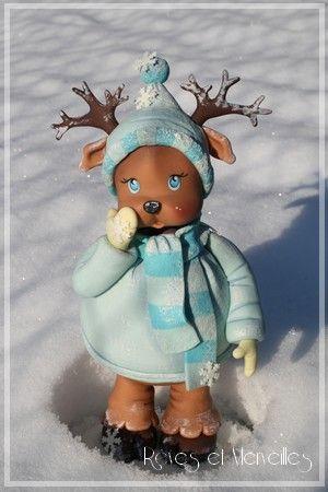 Rudolph est surpris... Il n'y croyait plus: de la neige! Enfin!   Encore un coup de coeur pour ce modèle créé par...