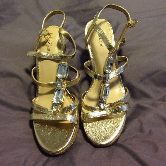 kelly & katie gold wedge heels size 10 NWOT Cute gold wedge heels by kelly & katie size 10 NWOT Kelly & Katie Shoes Heels