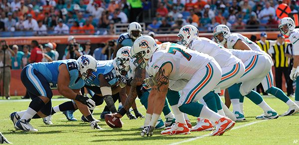 Watch Tennessee Titans vs Miami Dolphins Live Sunday Night Game