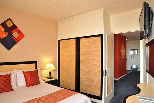 Parktonian Hotel – Johannesburg Accommodation | Parktonian Protea Hotel