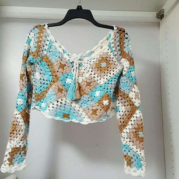 Granny Square top, made of high quality 50% wool - 50% acrylic, patchwork style in multiple colors.