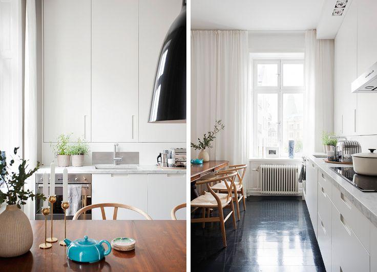Negro, blanco y azul en la cocina