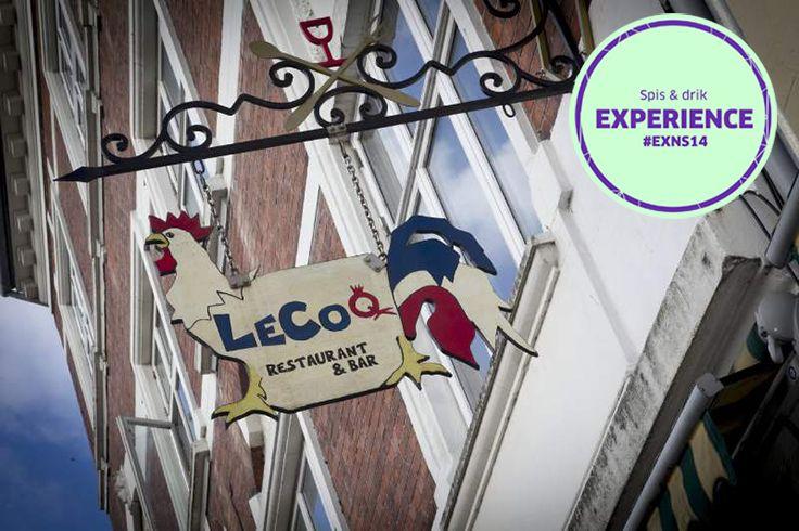 Le Coq: Er du til skæve franske brasserie-oplevelser, gode drinks og specialøl, så er de uformelle og hyggelige omgivelser på Le Coq dér, hvor du kan fortsætte din aften. Anbefalet af #AirbnbHost #exNS14 #Lecoq #Allnightlong #SpisOgDrik Adresse: Graven 16, 8000 Aarhus C