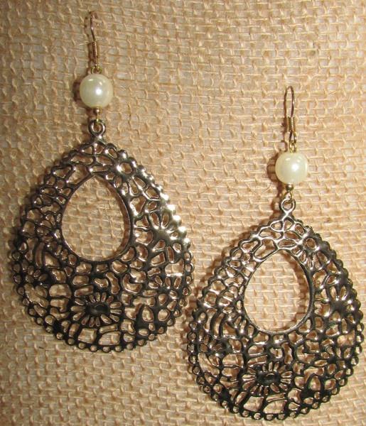 Gold Filigree & Pearl Earrings
