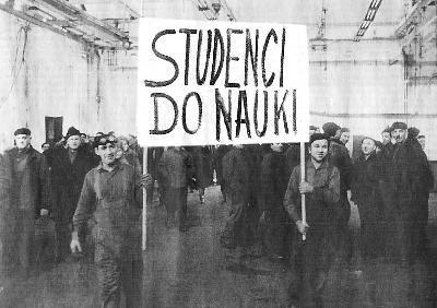 file:///C:/Users/LAPTOPIK/Downloads/Eisler.pdf  http://polskiedzieje.pl/polska-rzeczpospolita-ludowa/wydarzenia-marcowe-1968.html