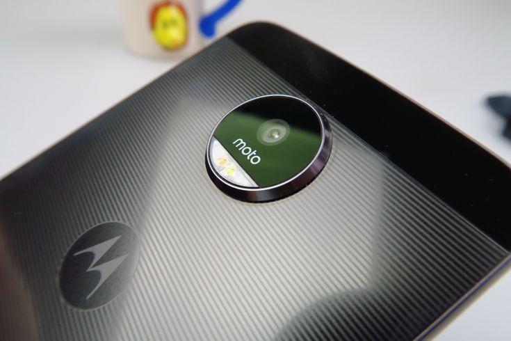 Motorola Moto Z: Camera excelentă, de top 3 în 2016, la selfie se mai putea lucra http://mbls.ro/2klyf4J