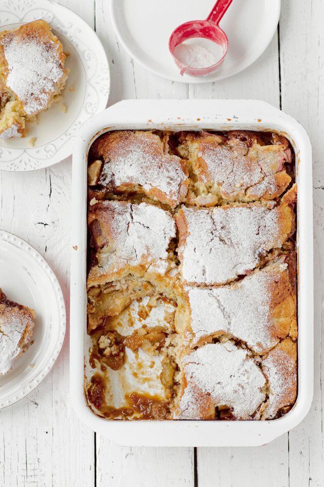 Pudding z jabłkami i rabarbarem